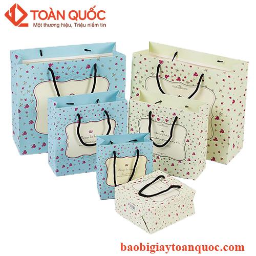 hộp giấy đựng quần áo thời trang, hopgiaydungquanaothoitrang